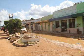 BRASILEIA APOS ENCHENTE-203
