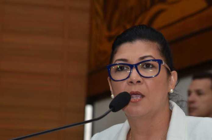 Entrevista deputada Eliane Sinhasique