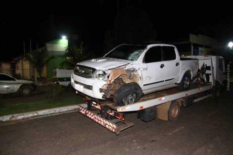 Veículos foram conduzidos para a delegacia após o acidente.