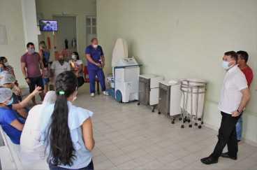 Alysson-Bestene-visita-Hospital-de-Xapuri.-Odair-Leal-18-scaled