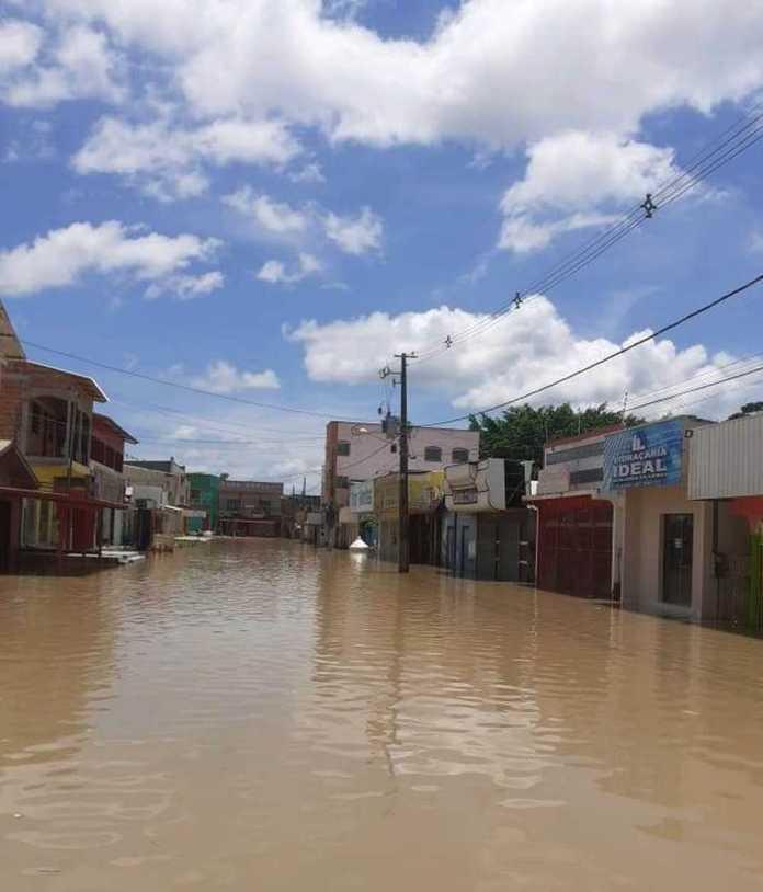 Cheia do Rio Tarauacá atinge mais de 12 mil pessoas no interior do Acre