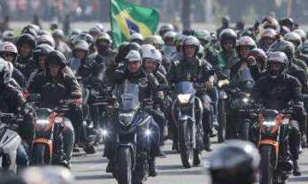 Bolsonaro-em-motociata