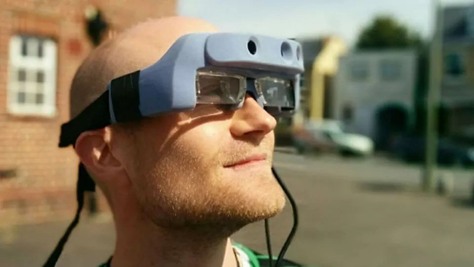 Pesquisadores criam óculos inteligentes para pessoas com baixa visão