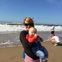 #MamaInAltaTara. Ce a invatat Oana despre parenting in Olanda