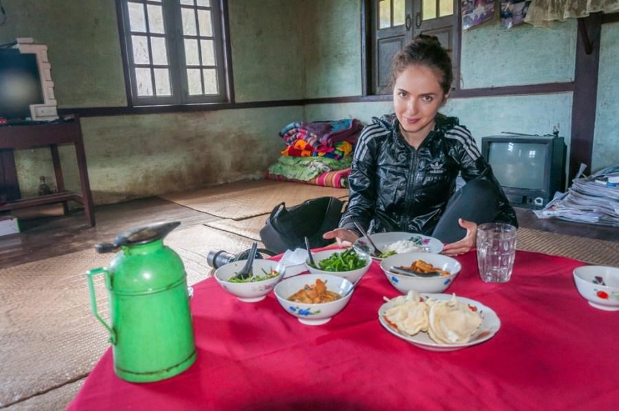 Multe ingrediente necunoscute si cea mai gustoasa masa din Myanmar