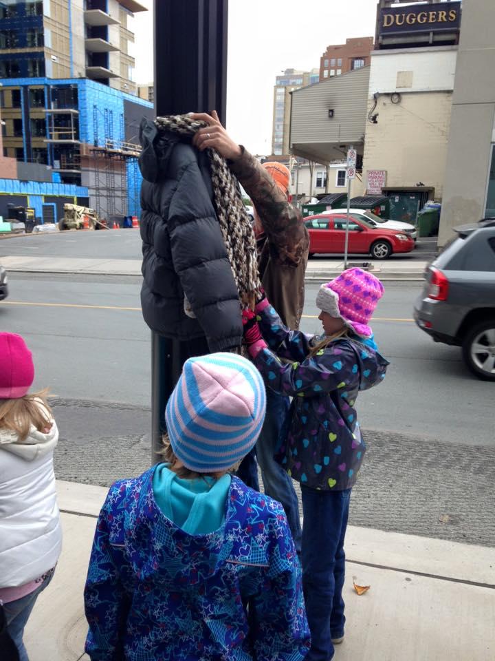O haina intr-un copac_Canada_povestea (5)