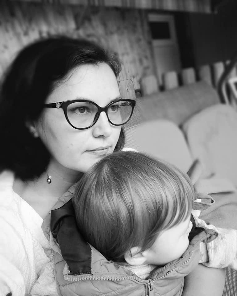 Cum am scăpat de coșmarul căderii părului după naștere, cu Revalid Regrowth Serum