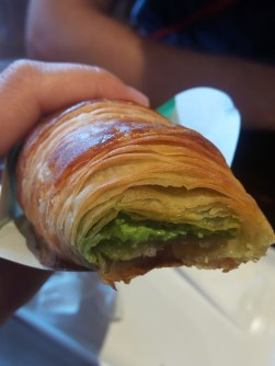 _croissant_with_matcha