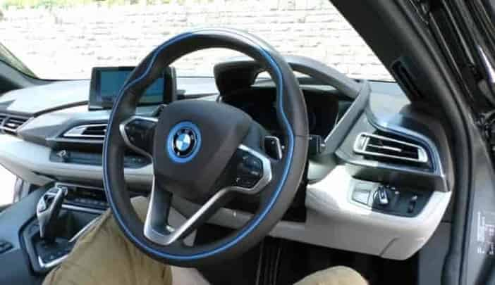 Steering Wheel Shakes While Driving >> 5 Causes Of Steering Wheel Shakes While Driving Low And High Speeds