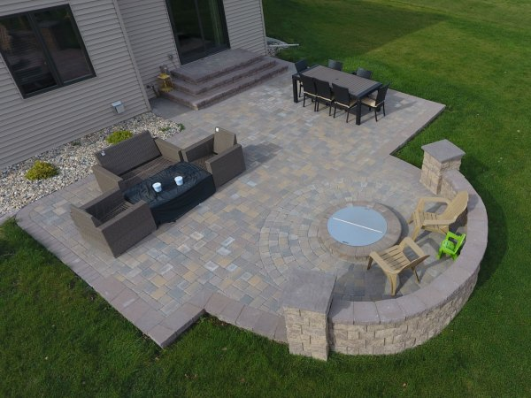 paver patio with fire pit design ideas Paver Patio with Large Staircase and Grilling Station