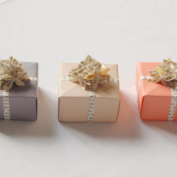 Wedding-Favour-Boxes-Handmade-Origami-Flowers-Boxes-Pastel-Oast-House-Gifts