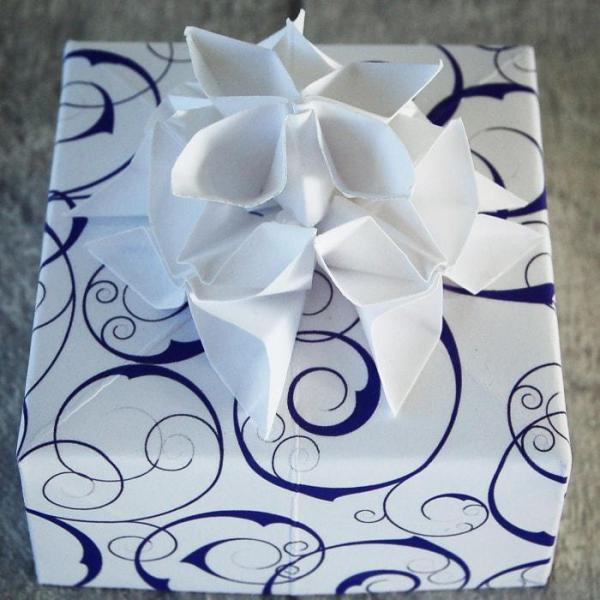 Wedding-Favours-Ultra-Violet-Swirl-Handmade-Origami-Flowers-Boxes-Oast-House-Gifts