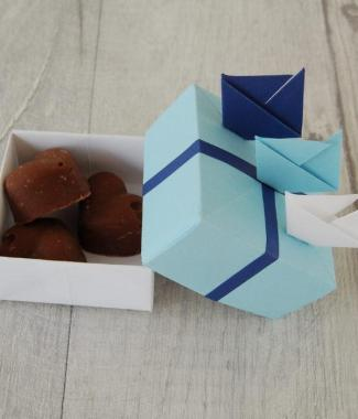 Wedding-Favour-Boxes-Handmade-Origami-Sailboat-Blue-Ribbon-Three-Chocolate-Fudge-Oast-House-Gifts