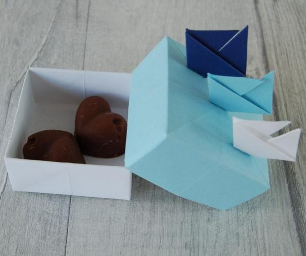 Wedding-Favour-Boxes-Handmade-Origami-Sailboat-Blue-Two-Chocolate-Fudge-Oast-House-Gifts