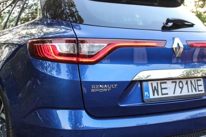 Napis Renault Sport na tylnej klapie
