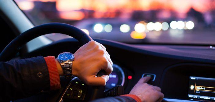 Jak zadbać o komfort i bezpieczeństwo jazdy – 5 przydatnych gadżetów