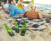 Tragiczne żniwo alkoholu nad wodą: co piąty Polak pływał z promilami