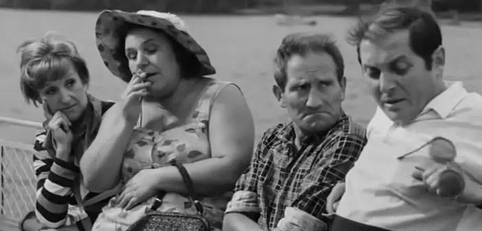 """Film """"Rejs"""" kończy 50 lat i bawi kolejne pokolenia Polaków."""