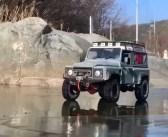 Kolejny Land Rover utopiony pod lodem. Czym kierował się właściciel?