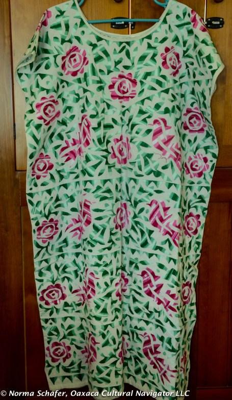 SOY2: Variegated fuchsia and green Soyaltepec huipil