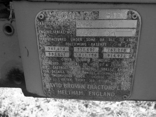 デビッドブラウンのシリアルプレート なんだか間違って白黒モードで撮ってしまったんですって。でも、白黒もいい感じです。番号の頭に付いた885/1という数字は885シンクロメッシュを表しているそうです。1971年〜1976年にかけて生産されました。