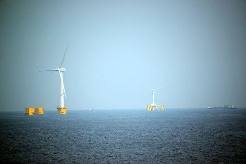 洋上発電。
