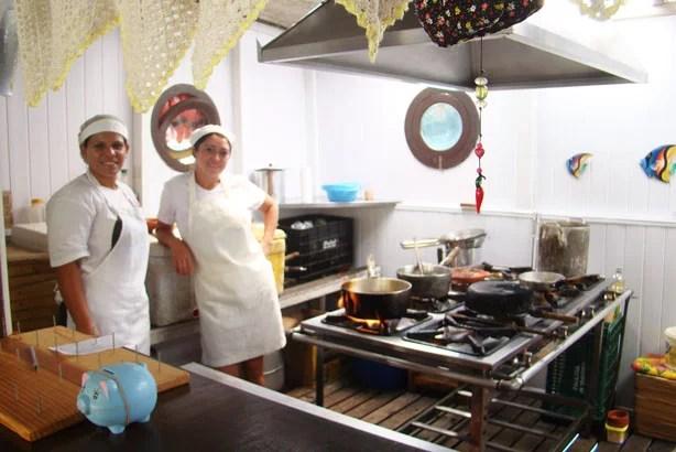 A cozinha do Balanço do Mar e suas responsáveis
