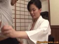 佐藤美紀のパイズリご奉仕がエロいおばさん動画