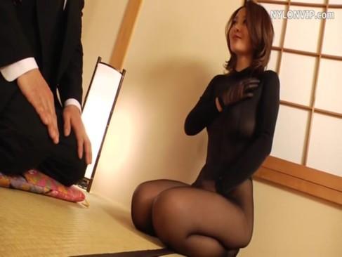 全身黒タイツ姿で生セックスをする四十路美熟女!スレンダーな熟ボディと妖艶な喘ぎ声がエロ過ぎるjyukujo無料
