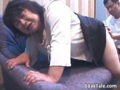 昭和の60代の熟年夫婦がラブホテルで個人撮影をして激しいセックスをしてるおばさんで本当にいいの 動画