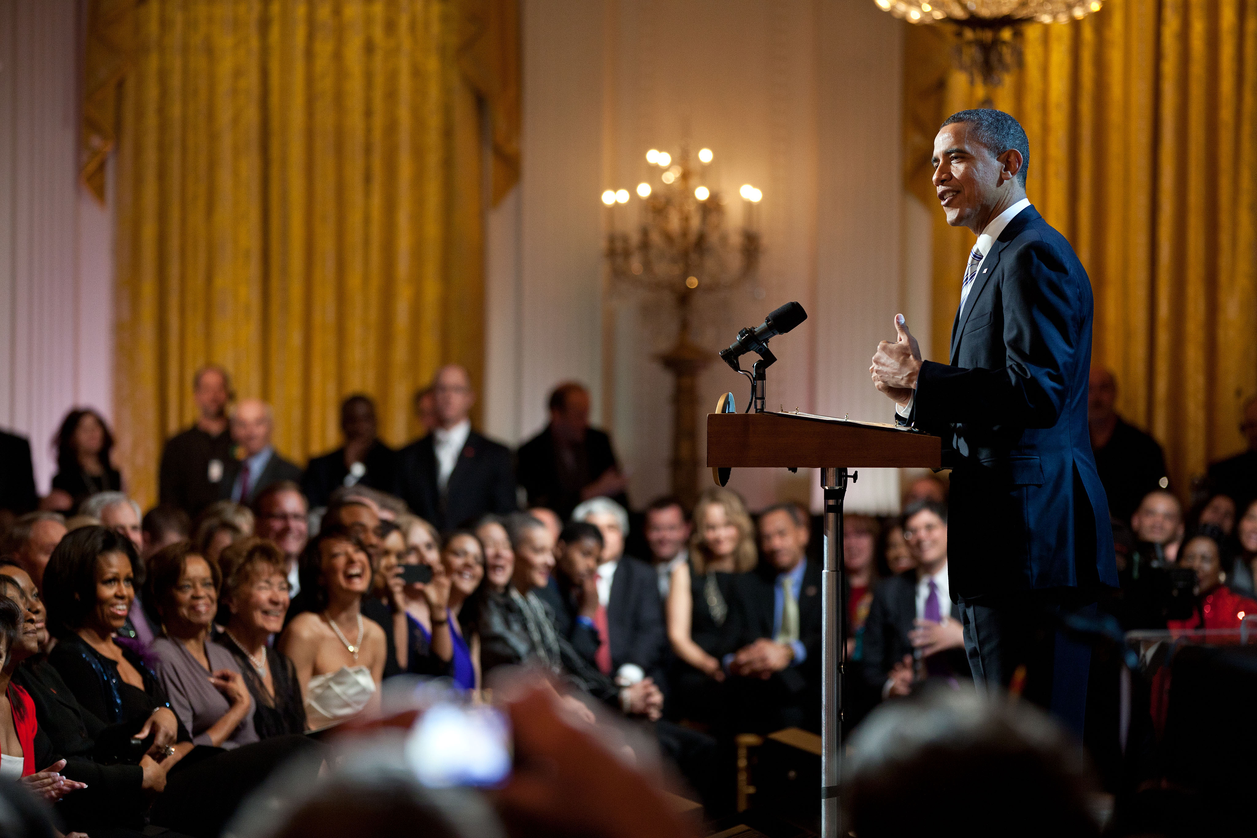 At the in performance at the white house: President Obama Sings Sweet Home Chicago Whitehouse Gov