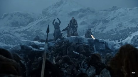 Jon e seus aliados cercados por inimigos