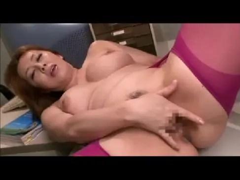 おばさん系女優の風間ゆみがセクシー下着で巨乳やおめこに陰核を弄ってる塾女性雑誌50代 動画
