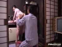 田舎の四十路熟女妻が桃尻を揉まれおまんこを濡らし性交する日活 無料yu-tyubu