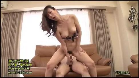 嫁の実家に帰省した娘婿が義母の体に欲情していく熟女セックス動画