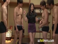 三浦恵理子が媚薬を飲まされ超敏感になってる完熟 動画