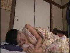 五十路美熟女母が熟睡中にエッチな悪戯をされちゃう