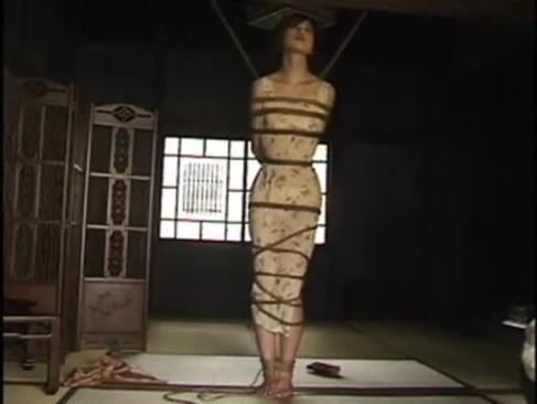 人生で初めての緊縛プレイで絶頂する淫乱熟年女!旦那との夫婦生活では味わえない快感に悶えるjyukujo動画