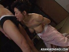 還暦を過ぎた里中亜矢子が着物のまま緊縛されチンポを貪ってるjyukujomania.com