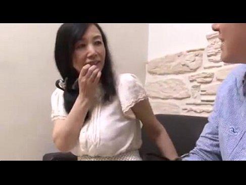 性欲解消の為にAV出演するマダム系五十路熟女妻の無料オバーン