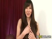 澤村レイコのオナニーを堪能できるおばさん動画無料