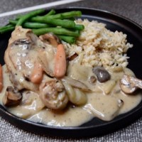 Creamy Chicken in White Sauce