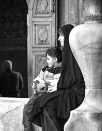 MotherChildIsfahan_BW_Final_2000_100dpi