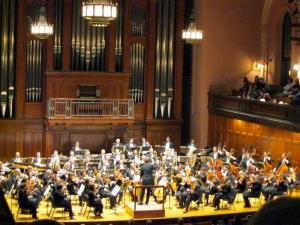 Boreyko Stirs Fire in Cleveland Orchestra