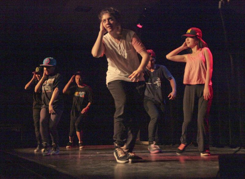College+junior+Mini+Zhang+%28left%29%2C+College+junior+Chelsea+Cross%2C+College+sophomore+Calvin+Gang%2C+College+sophomore+Gabriela+Hurtado-Ramos%2C+College+sophomore+Alan+Rueda+and+College+sophomore+Sue+Mengchen+Zue+perform+a+dance+piece+at+the+Koreo+showcase+last+Wednesday.