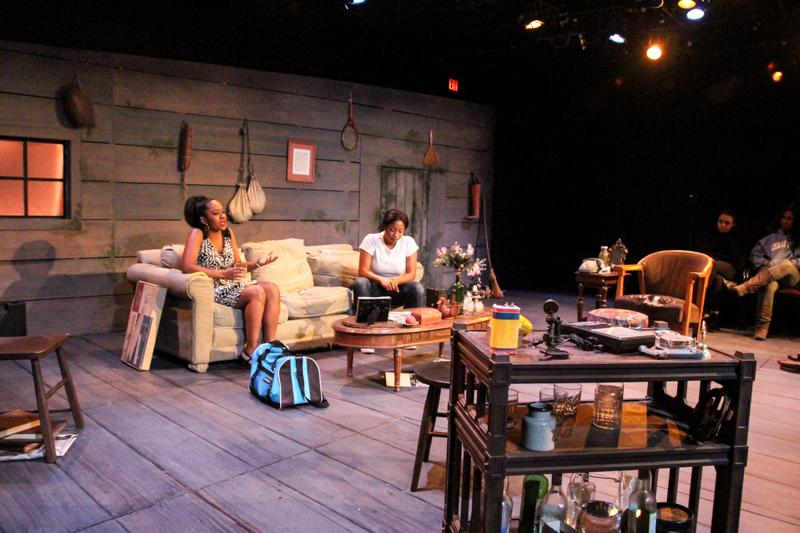 Actors Impress in Psychological Drama – The Oberlin Review