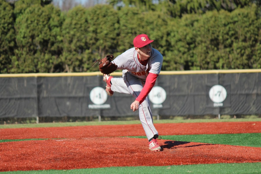Sophomore+Zach+Steer+pitches+for+the+Yeomen.+Steer+is+currently+3%E2%80%931+and+has+struck+out+18+batters+in+29.2+innings+this+season.+The+left-handed+pitcher+led+Oberlin+to+a+14%E2%80%934+win+over+the+Hiram+College+Terriers+last+Saturday.
