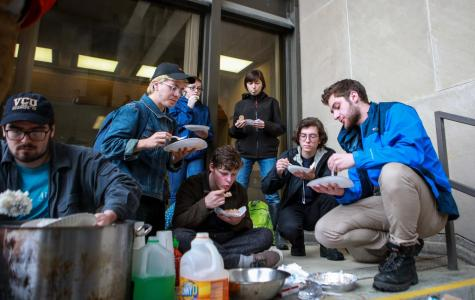 Students, CDS Workers Protest Bon Appétit