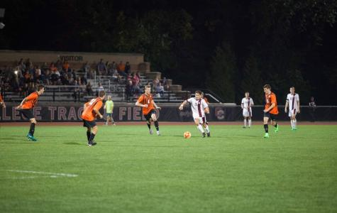 Men's Soccer Cools Off, Drops Two Straight Matches