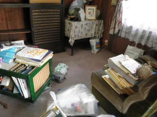 書斎には書籍などが沢山収められています